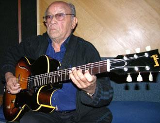 Guitarra elétrica na MPB: os estilos de José Menezes e Olmir Stocker - Eduardo de Lima Visconti