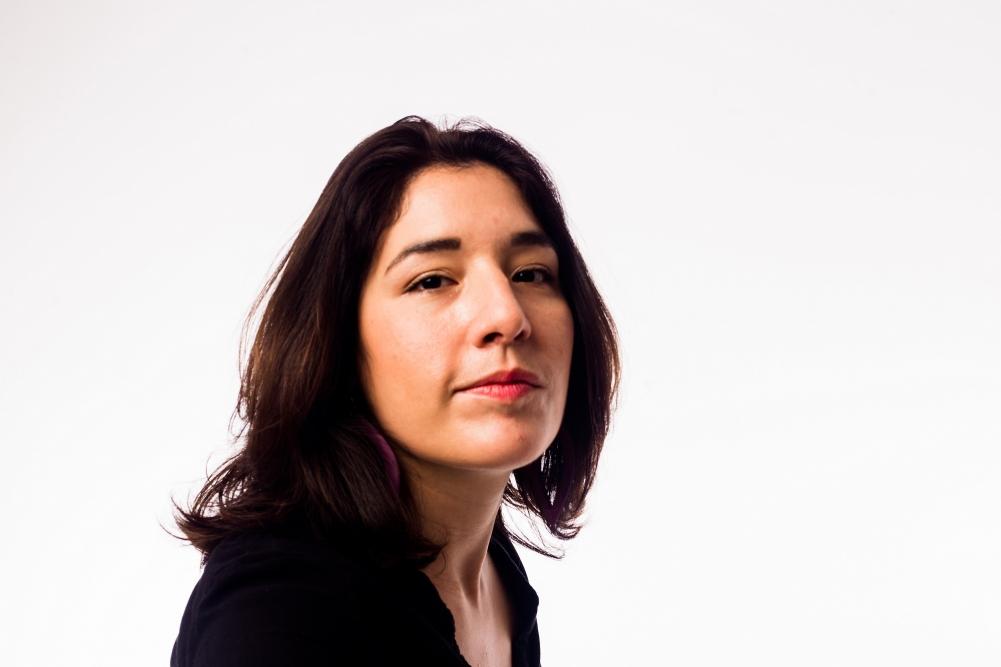 Elodie Bouny analisa o desafio de compor para violão e orquestra em palestra no Sesc SP