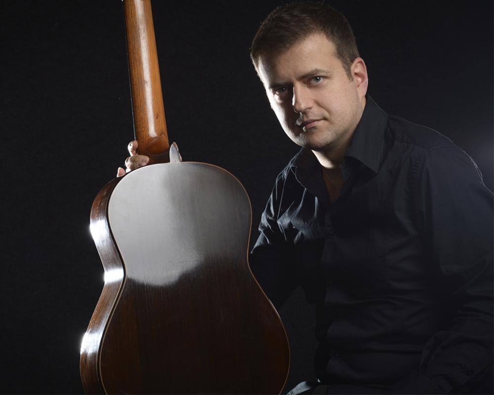 21h - Goran Krivokapic apresenta