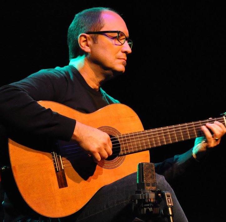 Novo curso de violão impressiona pelo elenco de professores e variedade de temas