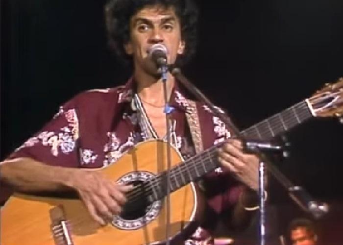 Capa do vídeo Caetano Veloso e A Nova Banda da Terra - Caetano no Coliseu - RTP