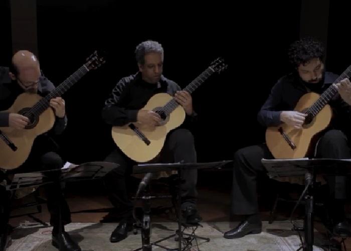 Capa do vídeo Elipsoidal Guitar Trio - Bajo de la Palmera (Isaac Albeniz)