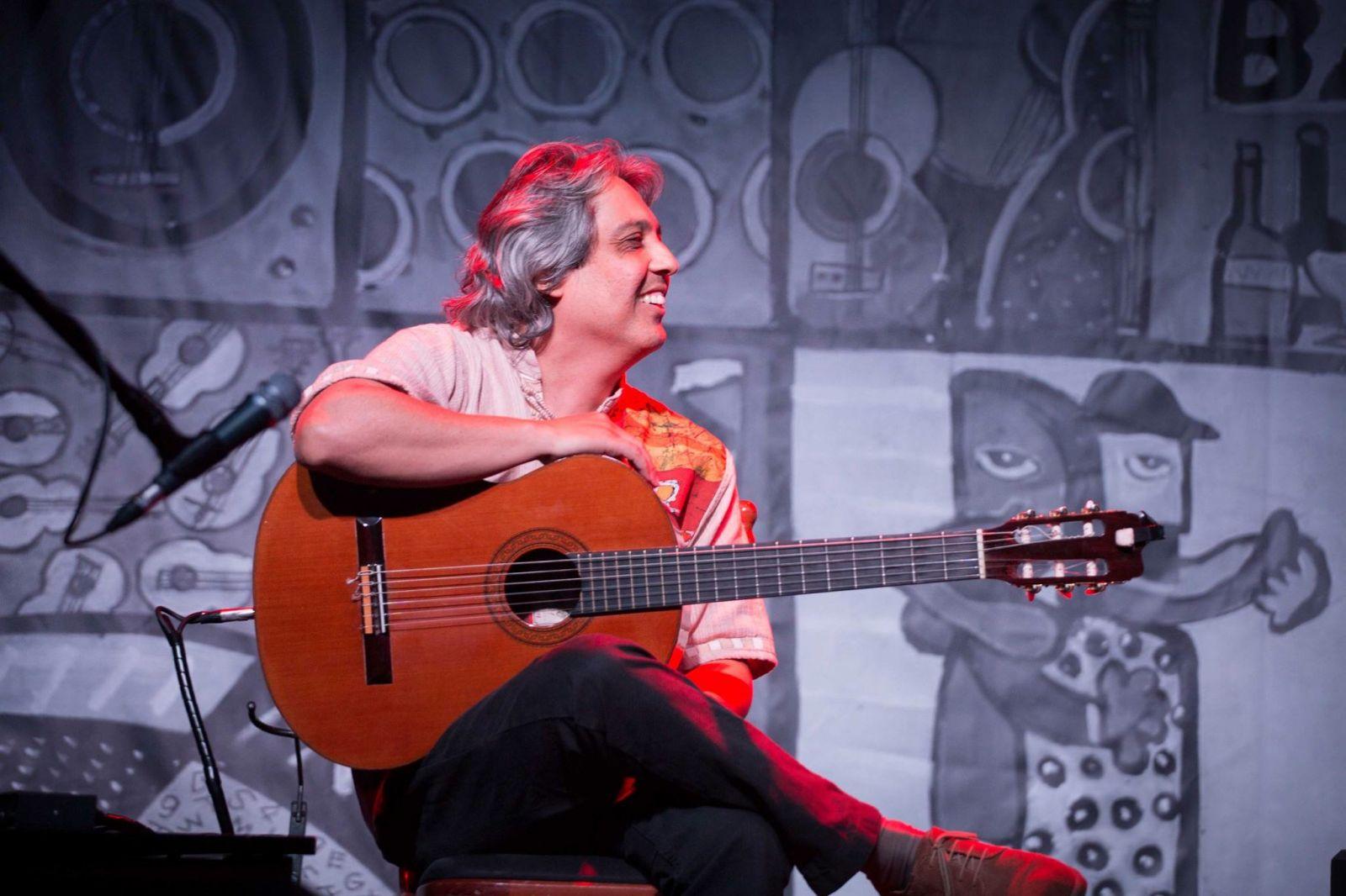"""Bosco Oliveira fala do """"Batuque Elíptico"""", que faz parte do CD Novas 3 - Bosco Oliveira"""
