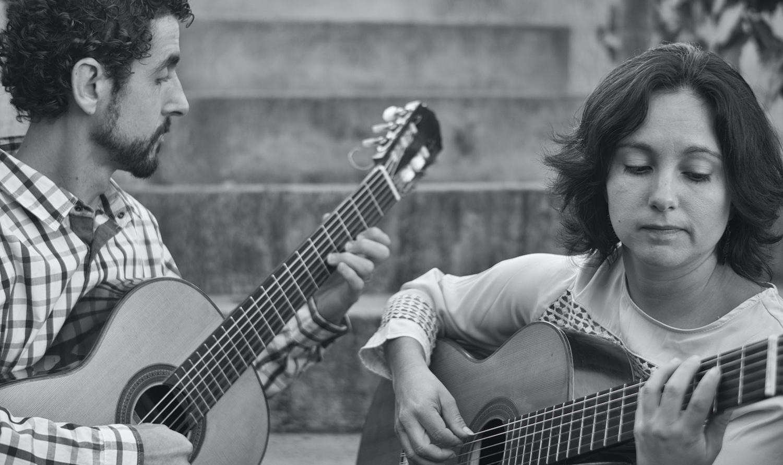 Duo Siqueira Lima comemora 18 anos de carreira com projeto Enlaces - (Duo Siqueira Lima - foto crédito Lou Gaioto, maio 2021
