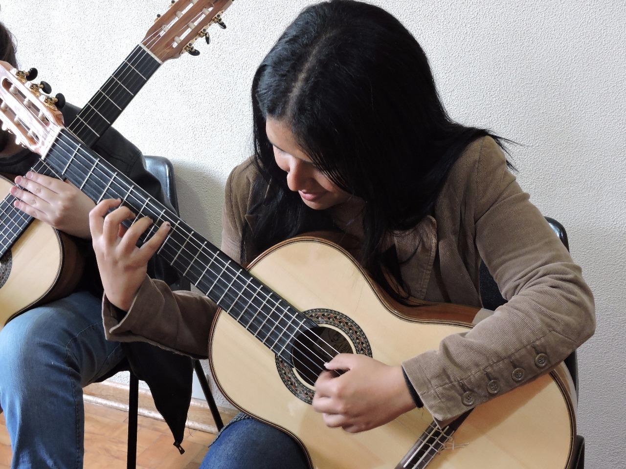 Concerto reúne quatro joves mulheres violonistas neste sábado (07) em São Paulo - Heloiza Cristina