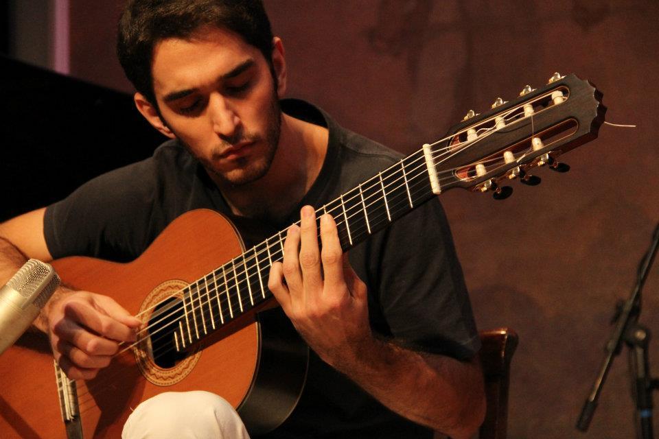 """Leo Eymard comenta o samba """"Sem Saber Sabendo"""", do CD Novas 3. Baixe a partitura - Leo Eymard"""