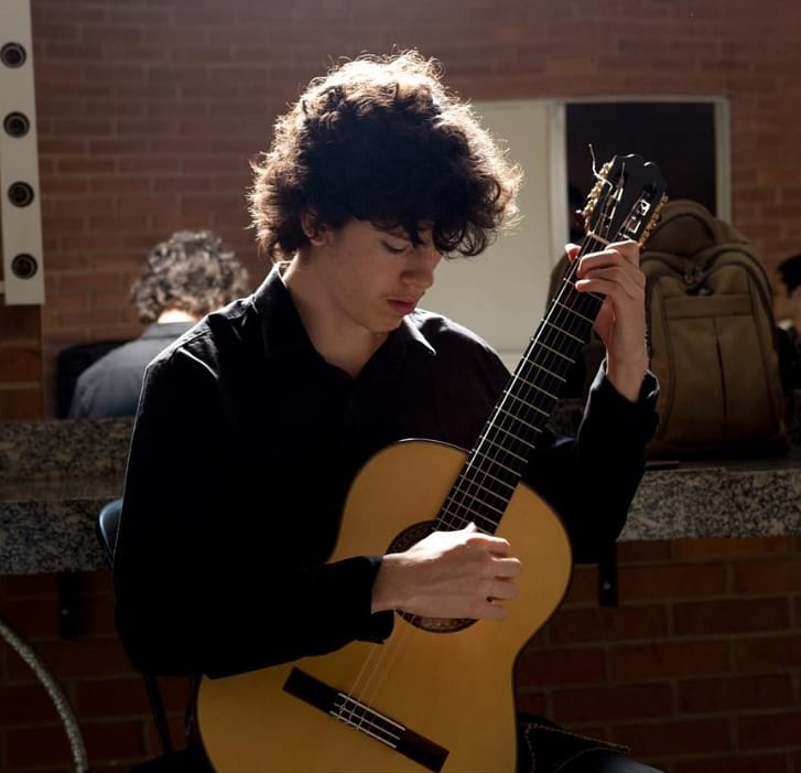 Elenco de 15 violonistas apresenta ciclos de Vicente Paschoal em evento online - André Marcílio