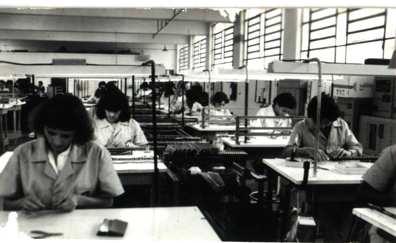 Pesquisador mostra raros programas de rádio, LPs e partituras lançados por fábricas de violão - Fábrica Giannini 1973
