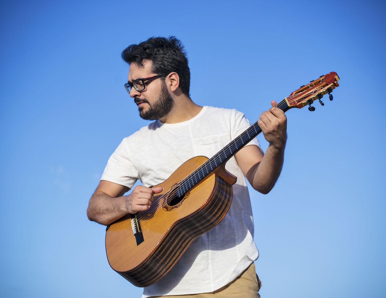 Lives de violão: Swami Jr e Cainã Cavalcante são as atrações desta quarta-feira (03/06) - Cainã Cavalcante