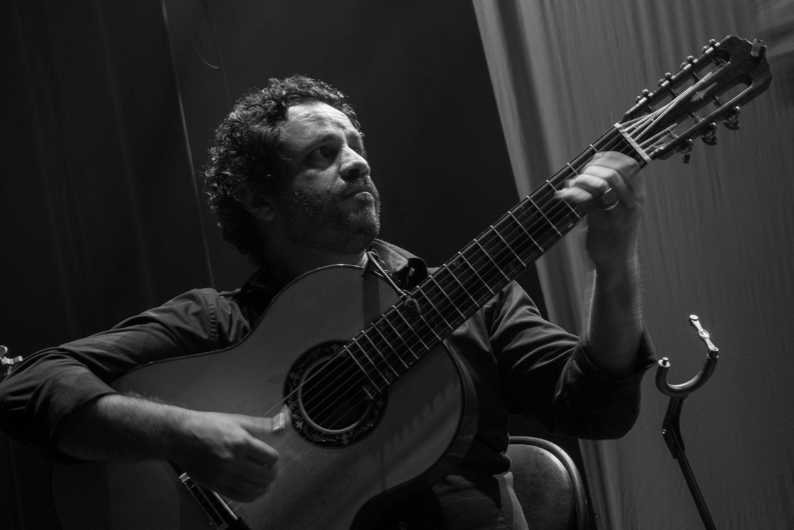 Lives de violão: Rogério Caetano, Diego Salvetti, Bozó e Félix Jr são destaques nesta quinta (28/05) - Rogério Caetano
