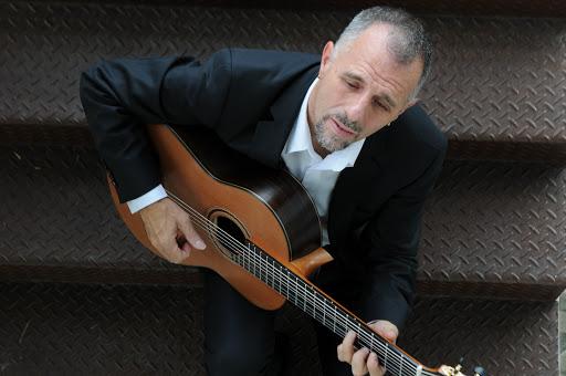 Lives de violão: Swami Jr e Cainã Cavalcante são as atrações desta quarta-feira (03/06) - Swami Jr