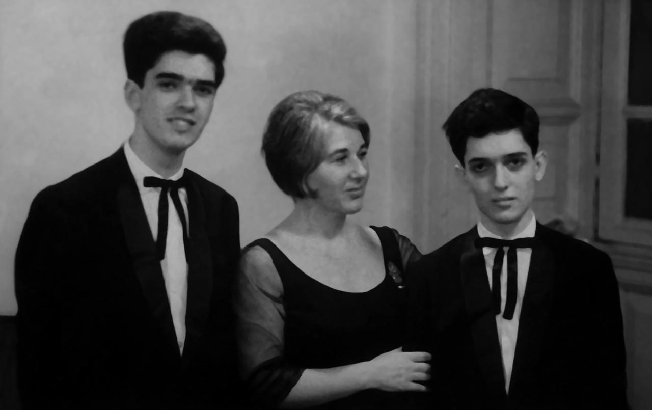 Violonista Monina Tavora tem gravações e fotos raras descobertas em seu centenário - (Foto Sergio Abreu, Monina Tavora e EduardoAbreu - Arquivo particular Ricardo Dias)