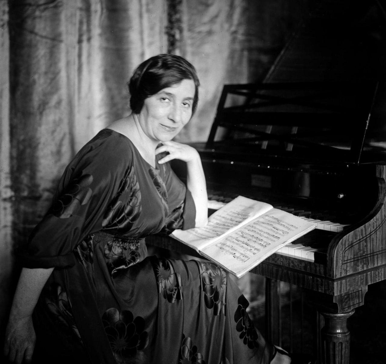 Violonista Monina Tavora tem gravações e fotos raras descobertas em seu centenário - (Foto Wanda Landowska)