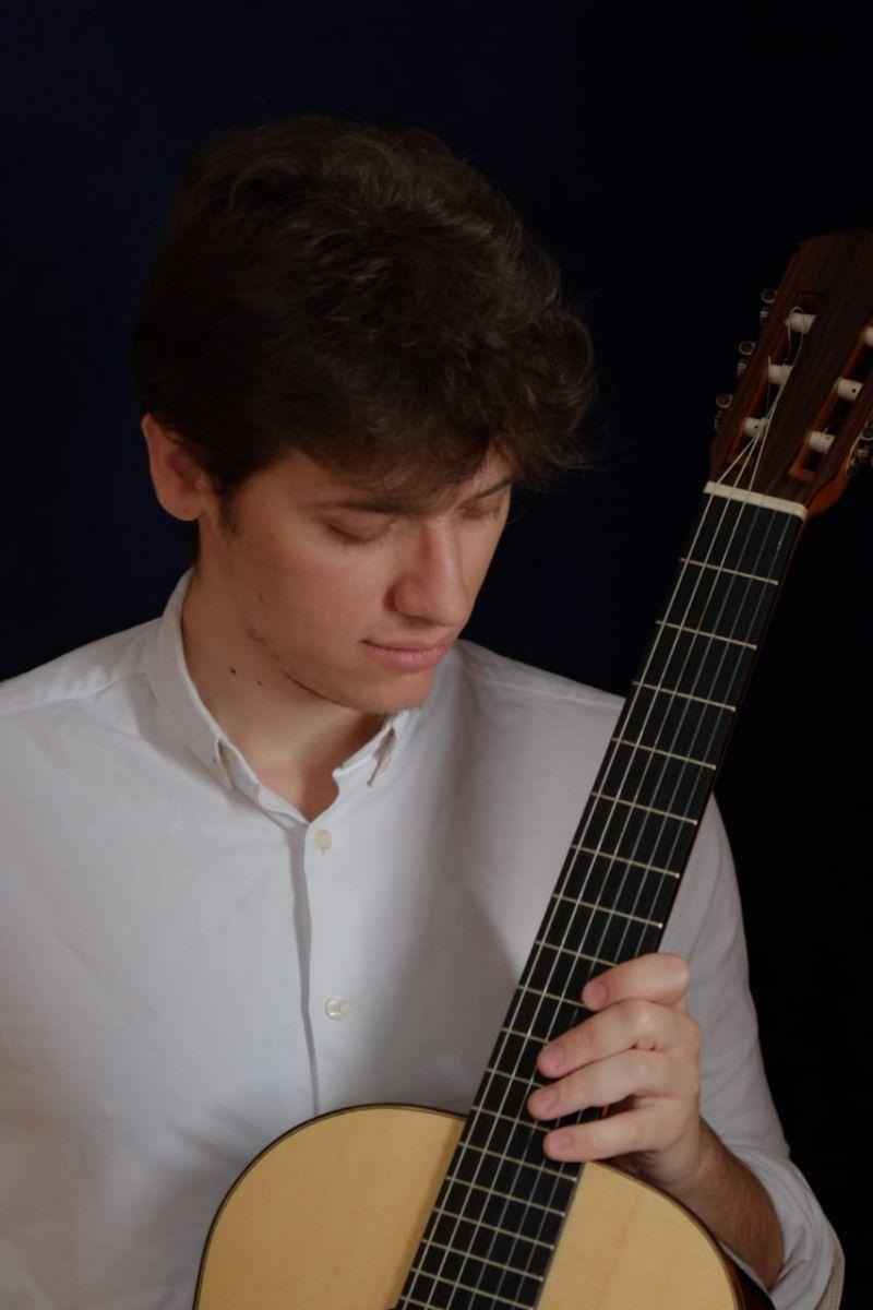 Caio Jardini e Thiago Leite tocam na série Movimento Violão Novos Rumos deste domingo - Caio Jardini