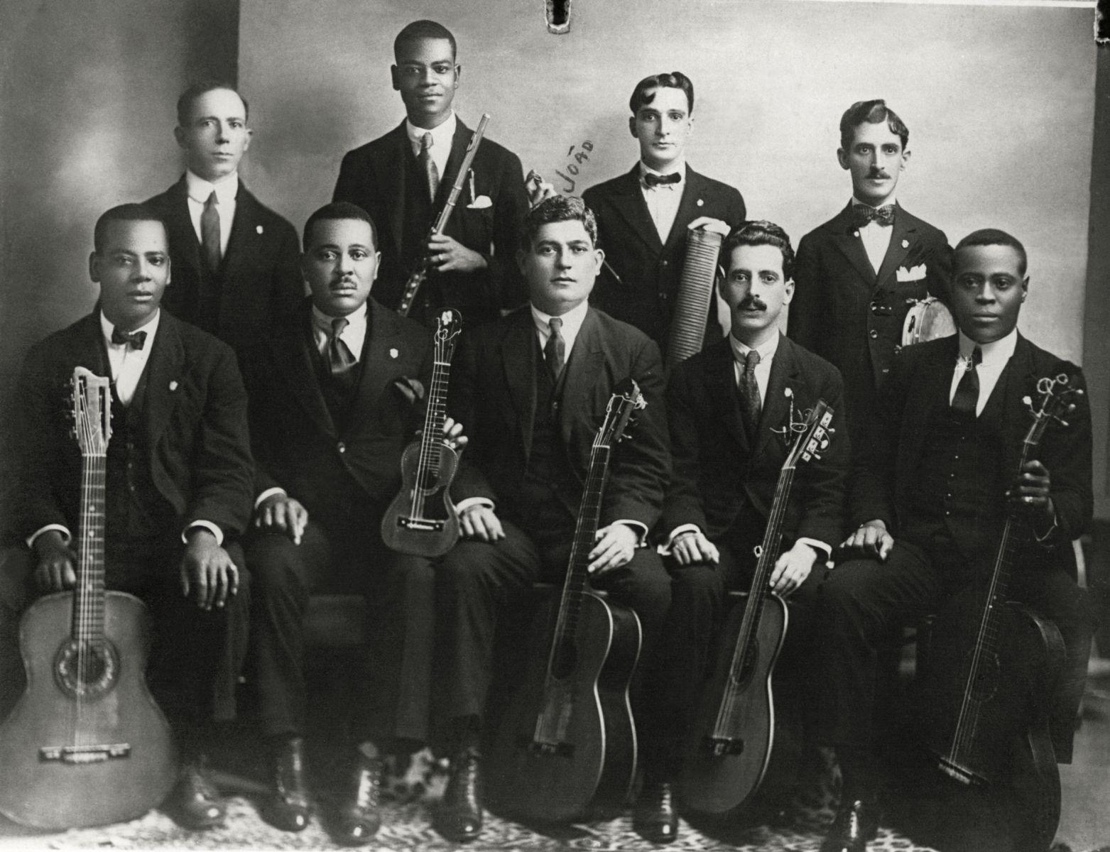 Música inédita de João Pernambuco é descoberta pelo Instituto Piano Brasileiro - João Pernambuco e Os Oito Batutas