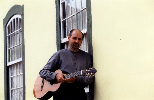 Morre Antonio Manzione, maestro que ensinou as primeiras notas musicais a grandes nomes do violão brasileiro - foto: Paulo Bellinati