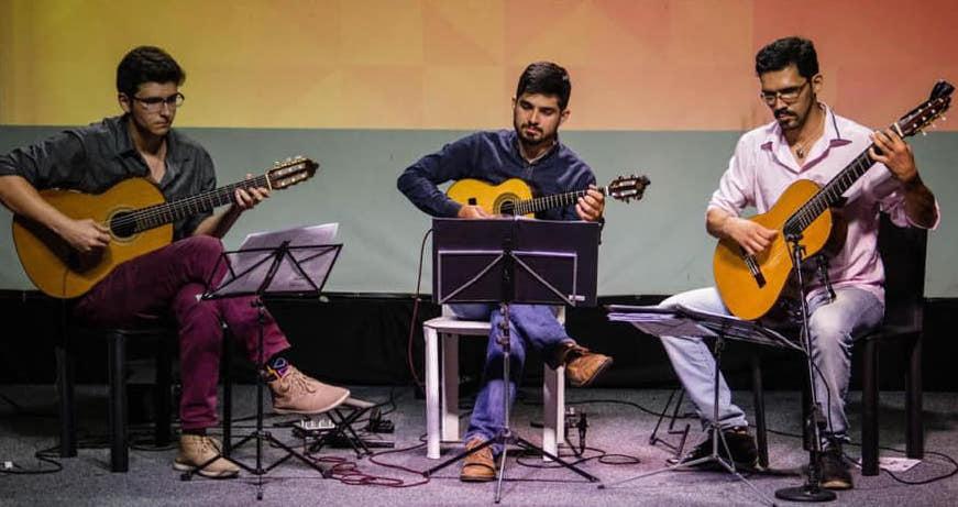 Documentário sobre o violão na Paraíba tem estreia e live com debates nesta sexta (12/02) - foto: Lucas Gaiao, Cledinaldo Júnior e Bruno Marinheiro