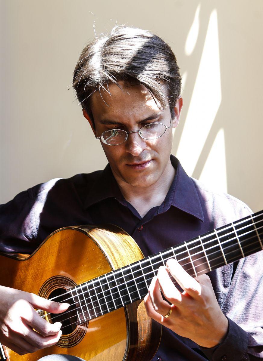 Obra inédita de Radamés Gnattali é descoberta e lançada por violonista - foto Luciano Lima