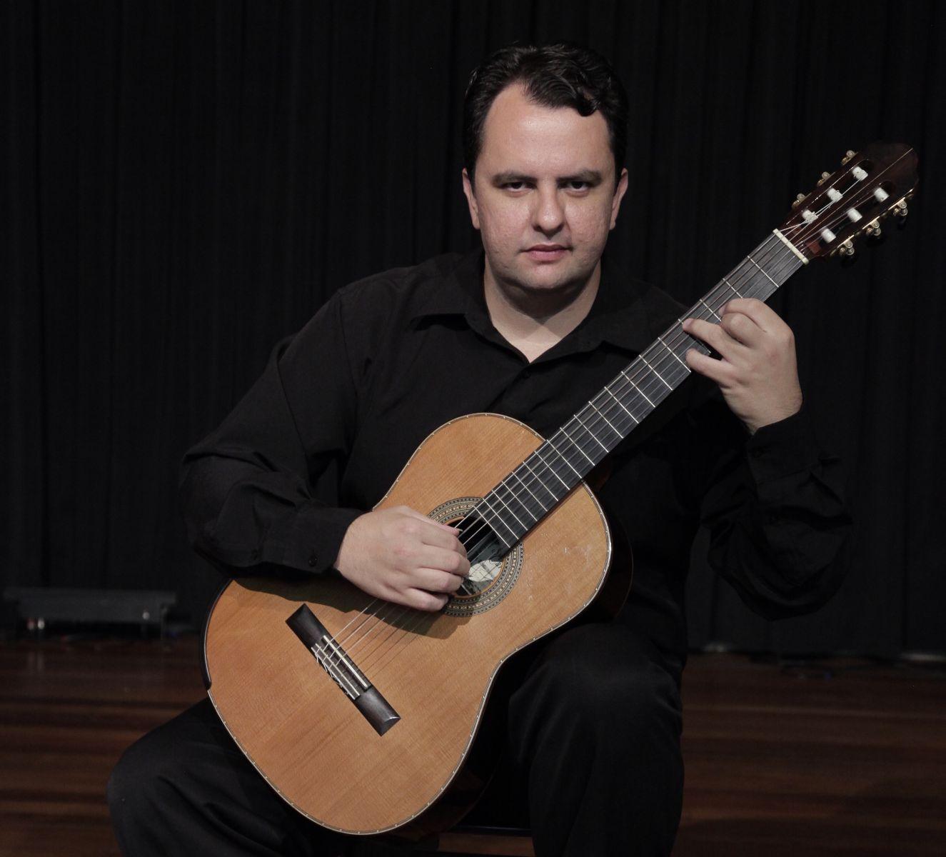 Celso Faria estreia em CD de violão solo com obras raras e inéditas - Celso Faria. Crédito: Foca Lisboa