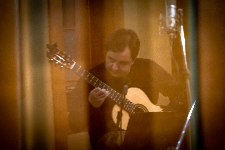 Celso Faria estreia em CD de violão solo com obras raras e inéditas - Celso Faria. Crédito: Marcelo Rosa