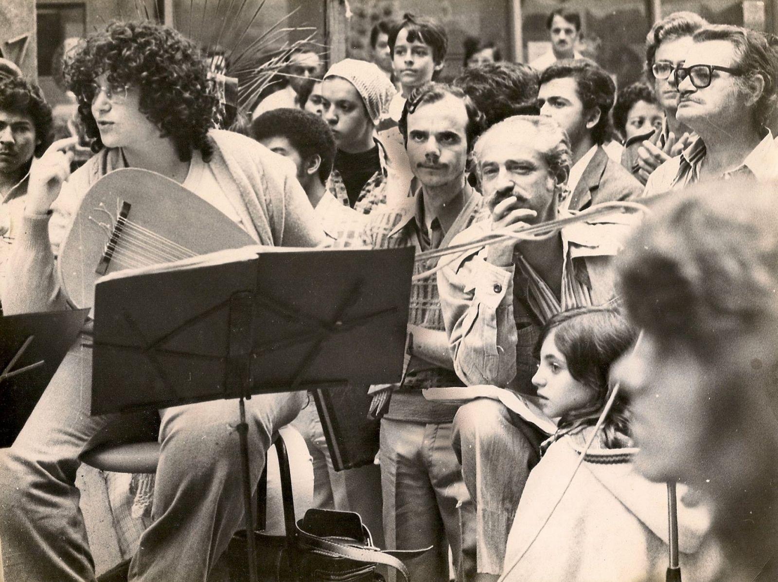 Violonista Silvia Ocougne participa de live com Mário Manga, Vladimir Bomfim e Cristina Azuma