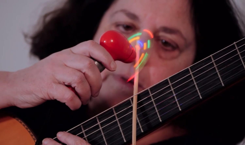 Violonista Silvia Ocougne participa de live com Mário Manga, Vladimir Bomfim e Cristina Azuma - foto Silvia Ocougne