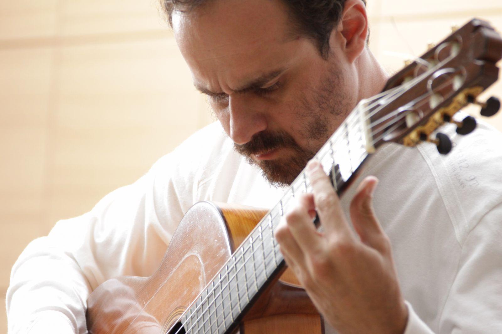 Tabajara Belo destaca como escreveu a música que ganhou o 2o lugar no Concurso Novas - Tabajara Belo