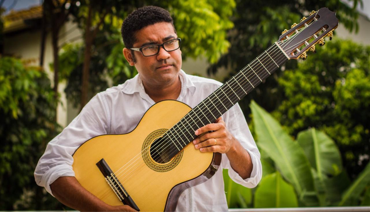 Lives de violão: Rogério Caetano, Diego Salvetti, Bozó e Félix Jr são destaques nesta quinta (28/05) - Félix Junior