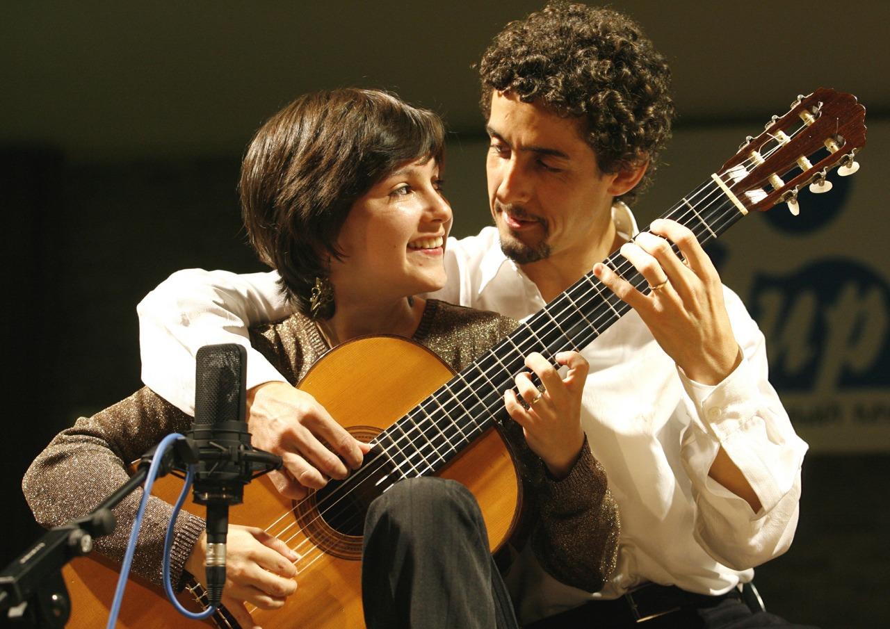 Pesquisador revela segredos e estratégias para a performance musical em duo de violões - Duo Siqueira Lima. Crédito: Elisa Gaivota