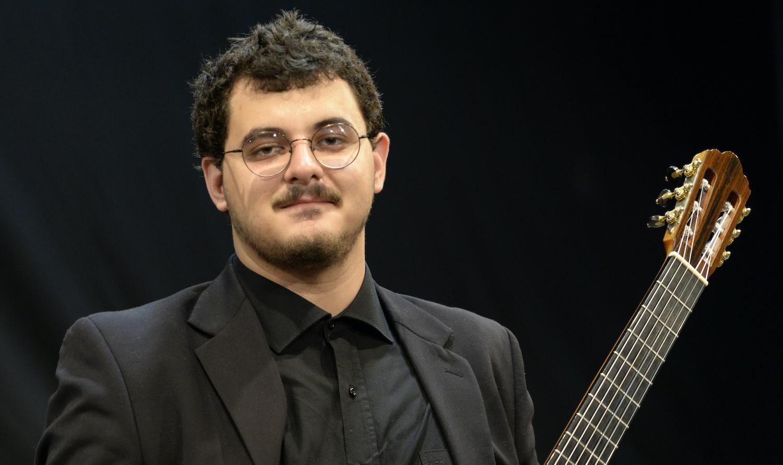 Projeto online reúne 30 violonistas tocando a integral de Villa-Lobos - Otávio Deluchi
