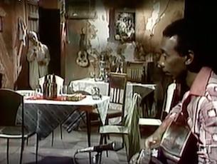 Capa do vídeo Elza Soares e Guaracy - Cadeira Vazia (Lupicínio Rodrigues)