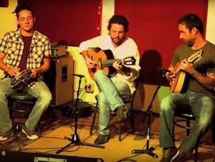 Capa do vídeo Trio Brasileiro - VIBRAÇÕES (Jacob do Bandolim)