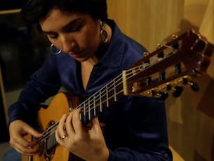 Capa do vídeo Elodie Bouny - Que Lo Diga La Luna (Elodie Bouny)