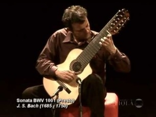 Capa do vídeo Paulo Martelli plays J.S.Bach : Sonata n.1 BWV 1001 for violin solo (complete)