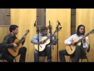 Capa do vídeo Trio Opus 12 - Fuga Funk (Paulo Porto Alegre)